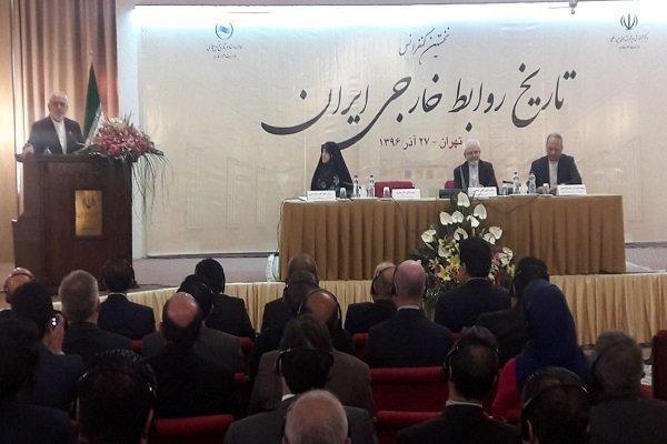 ظريف: الايرانيون اقاموا علاقات مع شعوب العالم منذ القدم