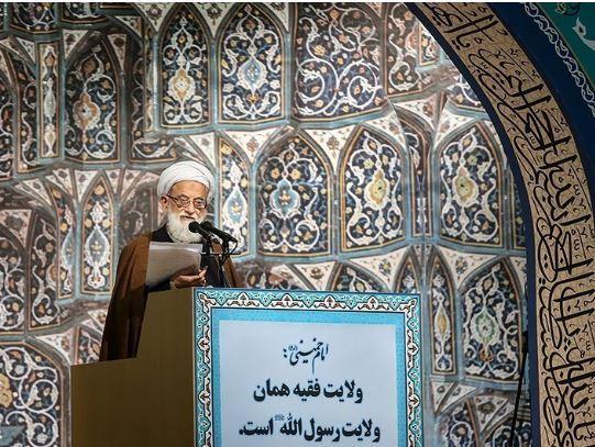 خطيب جمعة طهران: اميركا تبيع اسلحة للسعودية بمليارات الدولارات بهدف ضرب اليمن