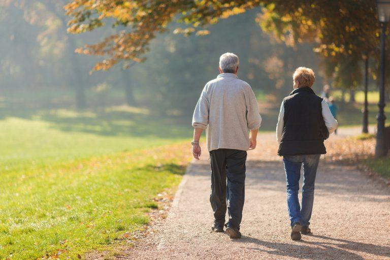 فوائد رياضة المشي في الحدائق