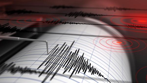 وفاة شخص واصابة 57 اخرین بسبب زلزال البرز