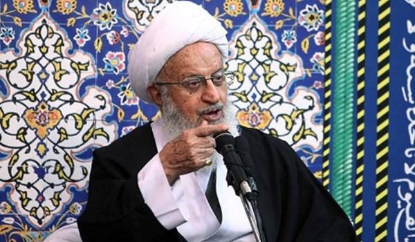 مكارم شيرازي: ايران انتصرت في الحرب المفروضة بمنطق الشهادة