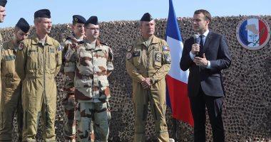 الرئيس الفرنسى يزور أكبر قاعدة عسكرية أمريكية فى الشرق الأوسط بقطر