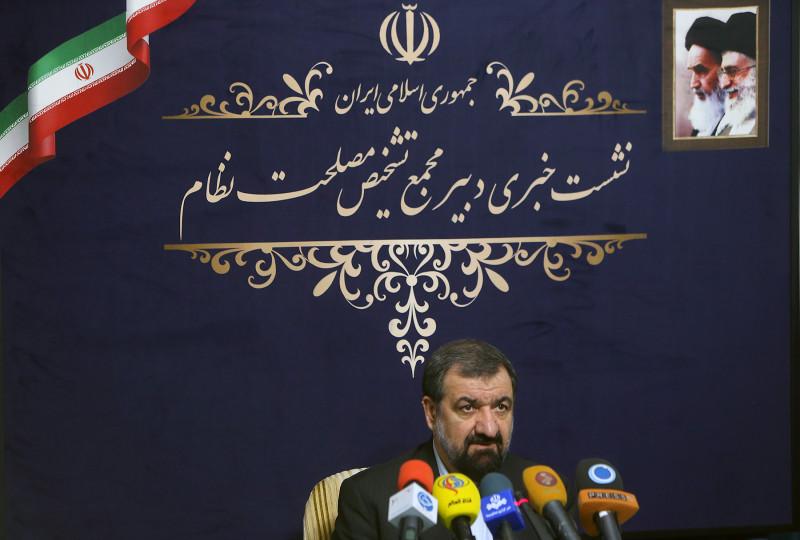 رضائي يدعو البلدان الاسلامية الى سحب سفراءها من اميركا