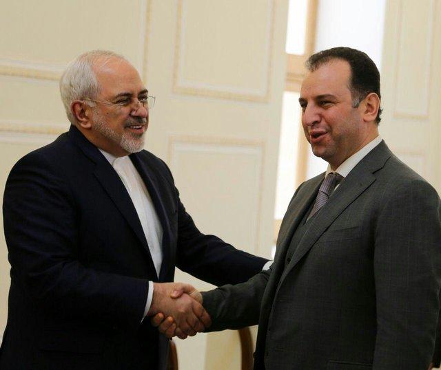 ظریف یستقبل وزیر الدفاع الأرميني في طهران