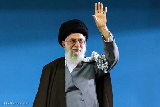 قائد الثورة الاسلامیة یستقبل الیوم الآلاف من اهالی مدینة تبریز