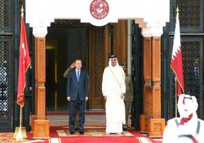 أمير قطر يستقبل الرئيس التركي بمراسم رسمية في الدوحة
