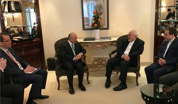 ظريف يبحث مع امانو حول مسار تنفيذ الاتفاق النووي