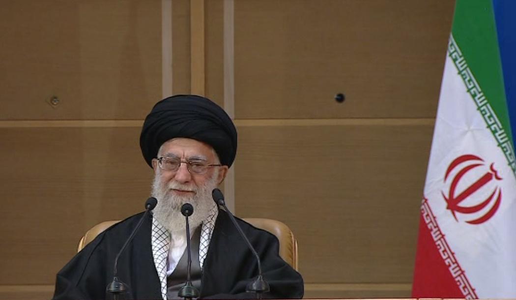 قائد الثورة يحضر مؤتمر دعم الانتفاضة الفلسطينية