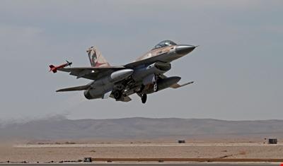 طائرات إسرائيلية استهدفت بصاروخين منطقة القطيفة على الحدود اللبنانية السورية