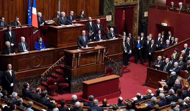 برلمانيون فرنسيون يطالبون هولاند الاعتراف بدولة فلسطين