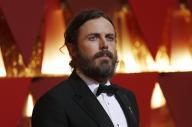 كيسي أفليك يفوز بجائز أوسكار أفضل ممثل عن فيلم (مانشستر باي ذا سي)