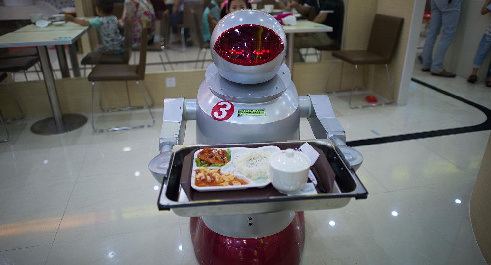 مطاعم إيرانية تقدم خدماتها بواسطة الإنسان الآلي