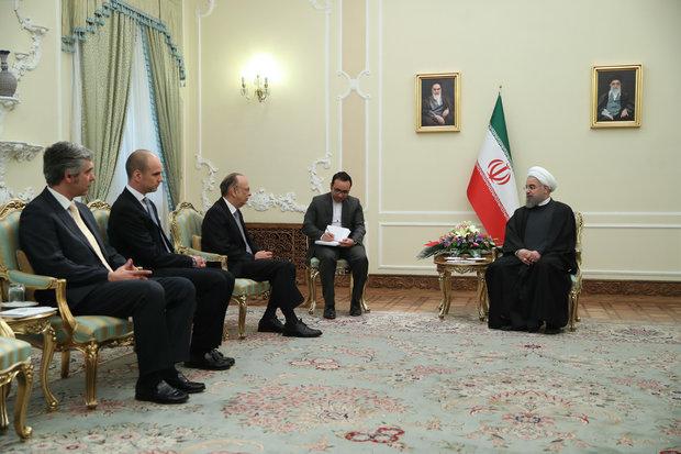 روحاني: ليس هناك أية عوائق في سبيل تعزيز العلاقات الإيرانية – البرتغالية