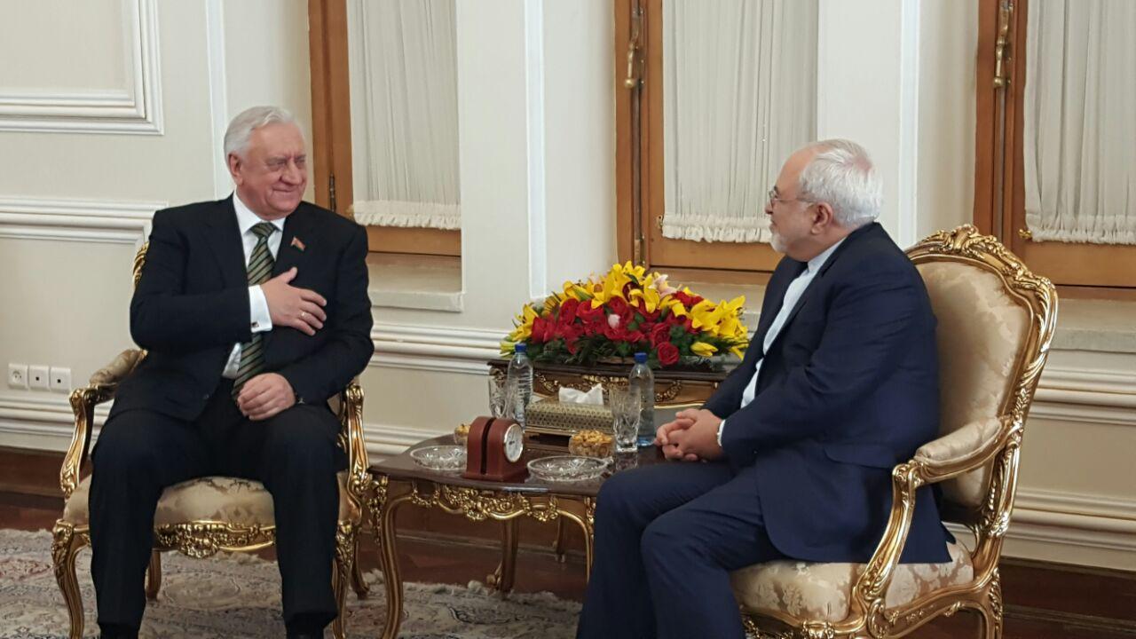 ظريف: لا عائق امام تنمية التعاون الاقتصادي بين ايران وبيلاروسيا