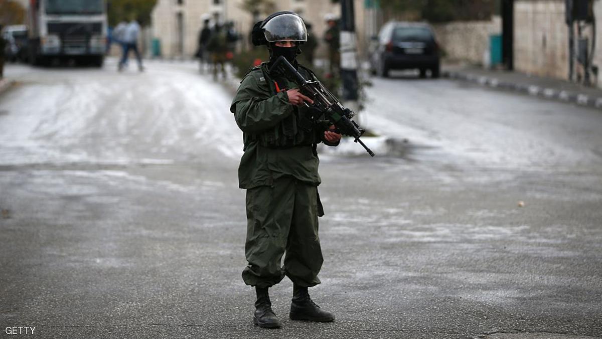 الشرطة الإسرائيلية تقتل فلسطينيا