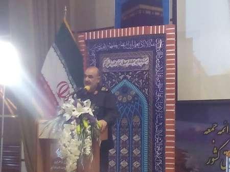إيران تدافع عن جميع المسلمين بإعتبارها قوة عالمية