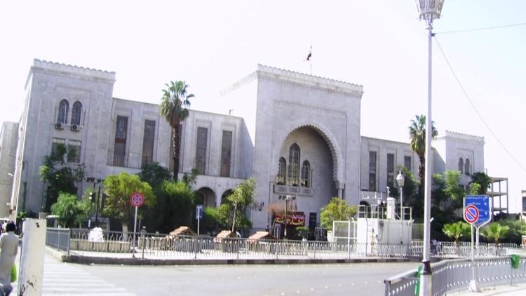 عشرات القتلى والجرحى بتفجير انتحاري داخل القصر العدلي في دمشق