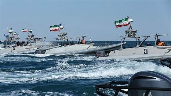 سفن حربية ايرانية وباكستانية تنفذ تمرينا مشتركا في بحر عمان