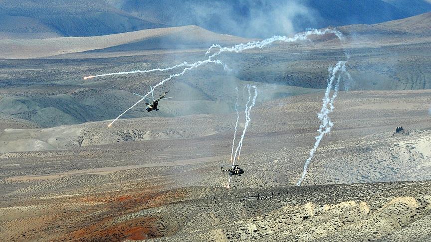 القوات الأذرية تدمر مواقع أرمينية على خط التماس بين الدولتين