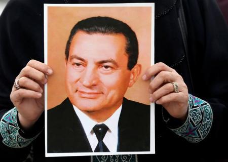 مبارك ينفي مجددا اشتراكه في قتل المتظاهرين خلال انتفاضة 2011