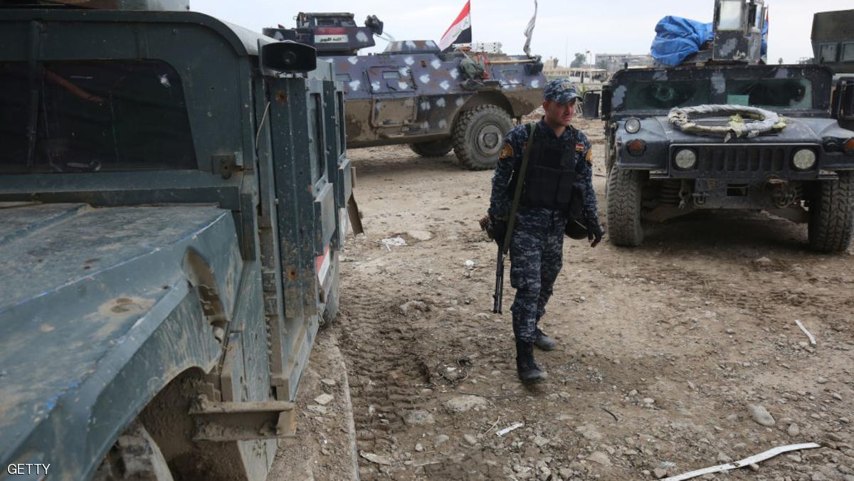 داعش يحتجز مجموعة من الضباط العراقيين