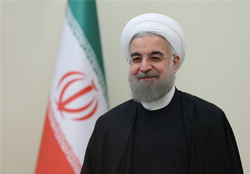 روحاني: الإجتماع الأول للحكومة سيخصص لتقسيم العمل الوطني للنهوض بالانتاج وزيادة فرص العمل
