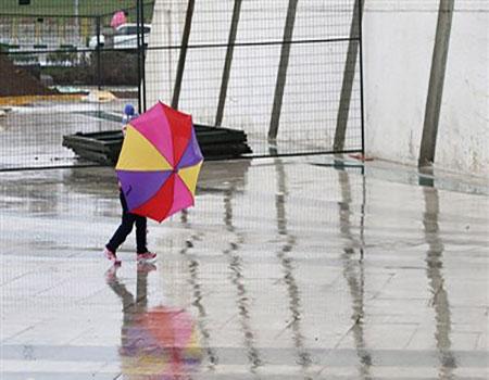 طهران تغتسل بأمطار ربيعية