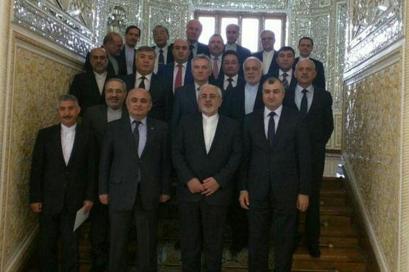 ظريف يؤكد على توطيد العلاقات بين ايران ورابطة الدول المستقلة على جميع الصعد