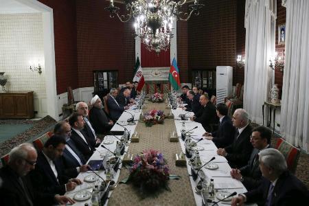 روحاني : لا توجد اي قيود لتطوير العلاقات بين طهران وباكو