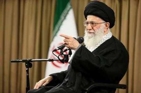 قائد الثورة: اذا اردتم ردع العدو فعلیكم اظهار نقاط القوة