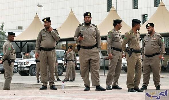 الشرطة السعودية تقتل داعشي وتعتقل آخر بحوزته أسلحة في مدينة الرياض