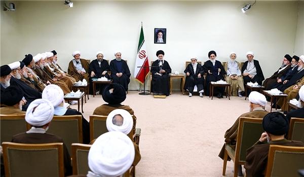 قائد الثورة الاسلامية: افشال مؤامرات جبهة الاستكبار رهن بالتصدي القوي والمنطقي لها