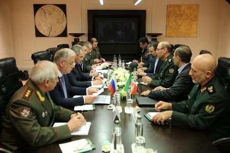 وزيرا الدفاع الايراني والروسي يؤكدان علي وحدة الاراضي السورية