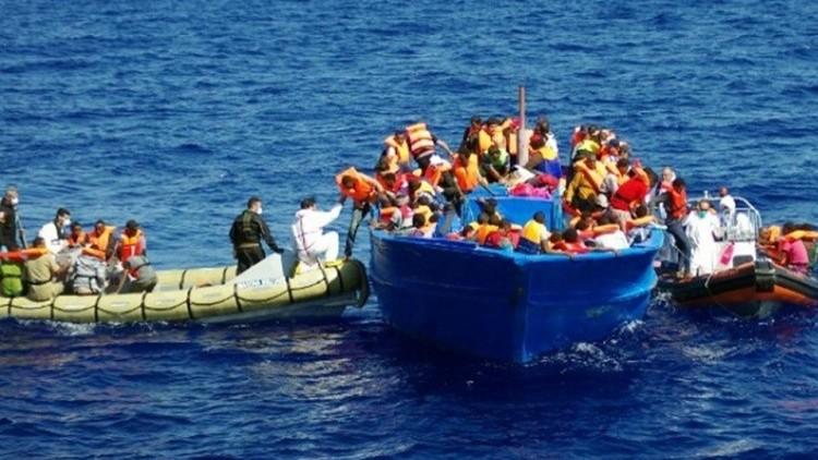 إيطاليا تحقق مع عمال إغاثة متهمين بتهريب المهاجرين
