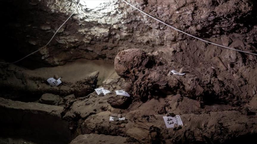 اكتشاف مقبرة أثرية تضم 28 مومياء وسط مصر
