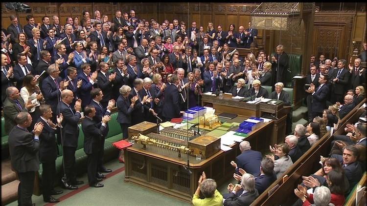 برلمانيون بريطانيون: يجب إنهاء زعامة أمريكا للشرق الأوسط