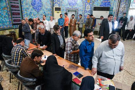 ذهول وسائل الاعلام الغربية اثر المشاركة الملحمية في الانتخابات الايرانية