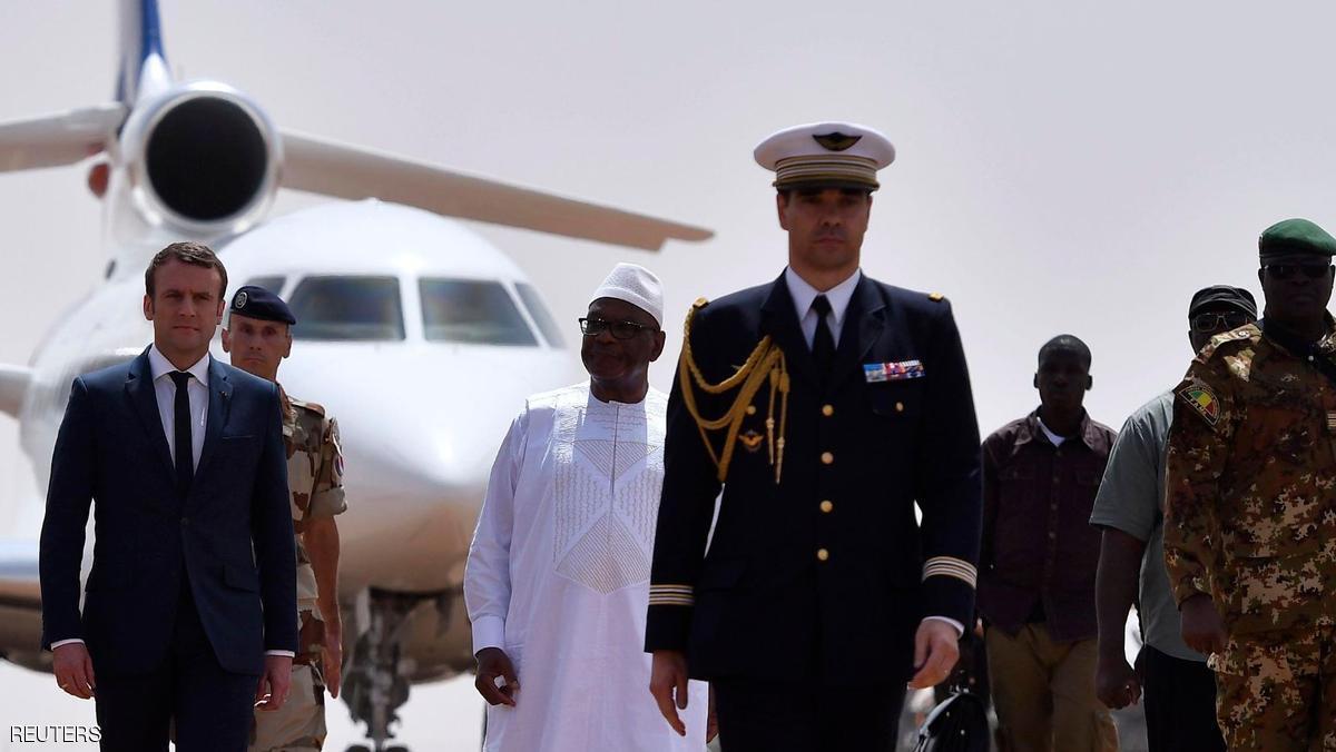 ماكرون يتعهد بتكثيف الحرب على الإرهابيين في أفريقيا