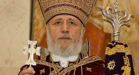 زعيم طائفة الارمن في العالم يهنئ روحاني لفوزه بولاية رئاسية ثانية