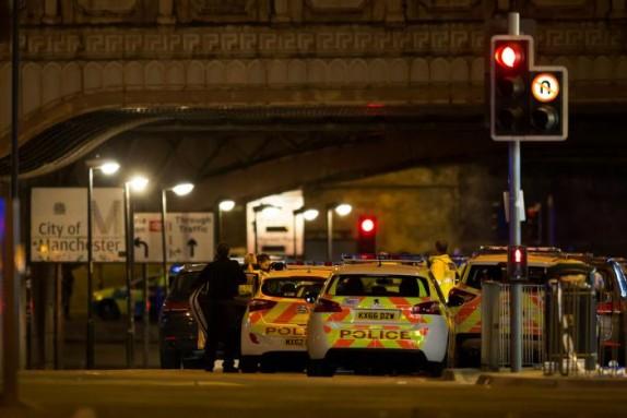 الشرطة البريطانية: ضحايا ملعب مانشستر 19 قتيلا و60 مصابا بجروح