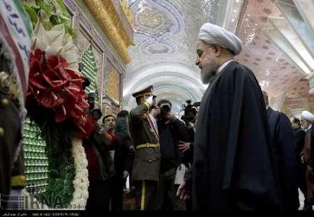 رئيس الجمهورية واعضاء الحكومة يجددون العهد مع الامام الخميني (رض)