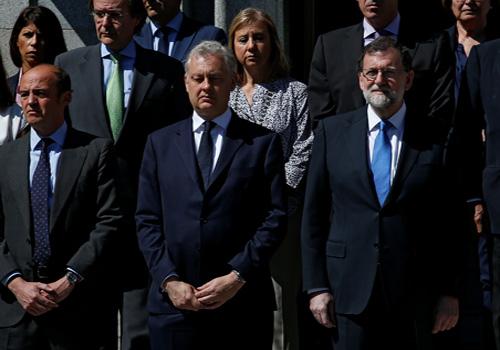 بالصور.. برلمانات وزعماء العالم يقفون دقيقة حداد على ضحايا مانشستر