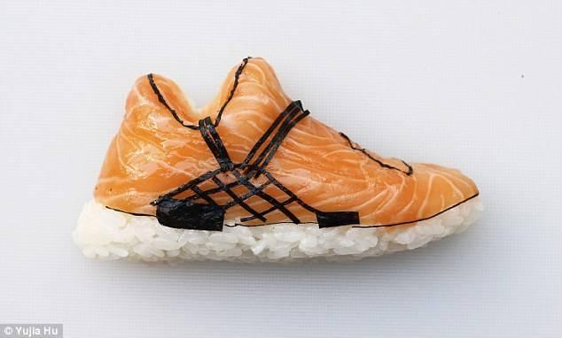 بالصور - أحذية من السوشي!