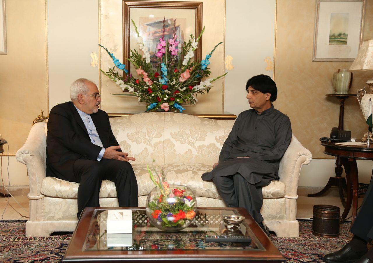 ظريف يبحث مع وزير الداخلية الباكستاني بشأن حادث ميرجاوة الارهابي