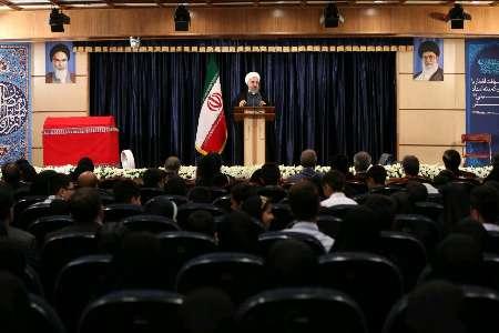 روحاني يؤكد ضرورة معالجة مشاكل الشعب خاصة الشرائح الضعيفة