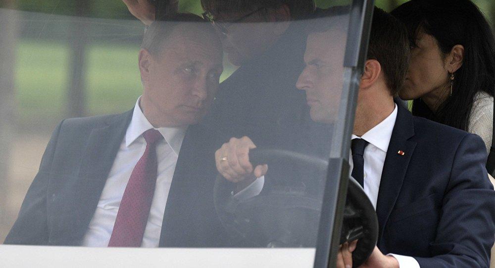 بوتين يوقف ماكرون عند حده