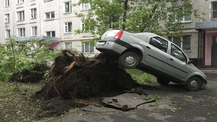 العاصفة الأعنف في موسكو وضواحيها تودي بحياة 16 شخصا