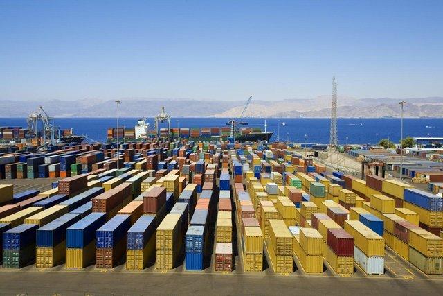 آسیا تشكل أهم محطة للسلع الإيرانية المصدرة