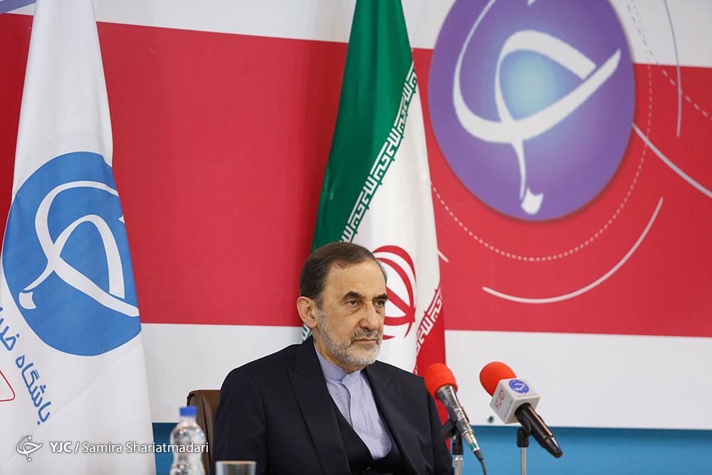 ولايتي: طهران من شأنها لعب دور هام في منع تقسيم المنطقة
