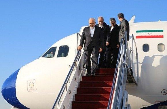 وزير الخارجية الايراني يصل الى كابول على رأس وفد سياسي